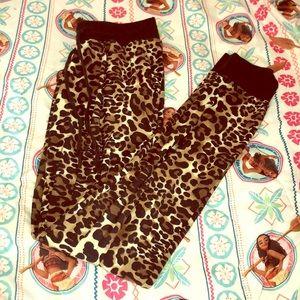 Hot Kiss Size Small Cheetah Print Joggers